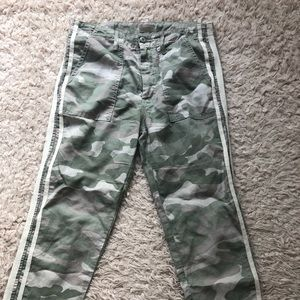 MOTHER Shaker Camouflage pants